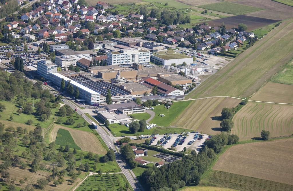 Firmengelände und Flugplatz Nabern/Teck – © Luftbildagentur Bodenbender